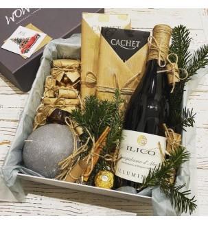 Подарочный набор с вином и свечой №307