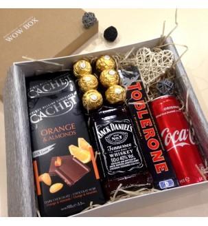 Подарочный набор с виски, колой и шоколадом N34