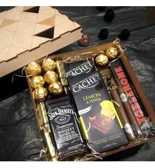 Подарок с сигарами и зажигалкой купить